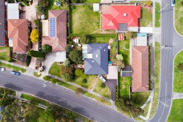 Auctions and the Eastern Suburbs in 2017